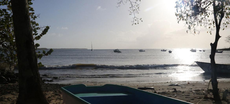Más de cien venezolanos han muerto en peligrosos viajes por mar a Trinidad y Tobago.